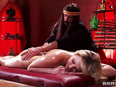 Mia is tensed and that sweetheart needs a nice, oily massage. This hot golden-haired sweetheart stays laid on her back, completely naked as Bill takes care of her superb body. He slips his hands on her perfect ass, massaging it firmly and then rubs her shaved pussy. Mia acquires excited and now wants to fuck!