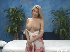 Blonde Madison bares her big marangos