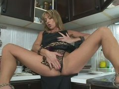 Leggy MILF Tara Romain with appetite for cock