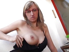 Horny babe Shelby Moon can't live without to jiggle her whoppers