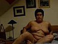 Well here's one more chubby aged mom taping herself during a masturbation session in this episode clip. She fingers her pussy with as many fingers as she needs while showing off her heavy saggy mounds