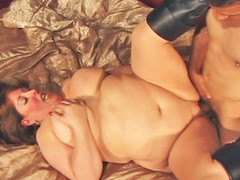 Mindie Mounds is unstoppable one time her rolls are set in motion! Using each inch of her body to her advantage, Mindee is fucked unfathomable and lengthy previous to this babe is showered wth cum!