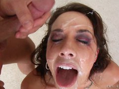 Chanel Preston gets her face plastered with hawt cum
