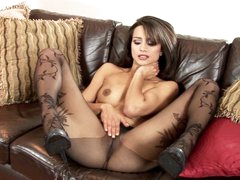 Hot Chelsea French loves teasing her soaked moist clit