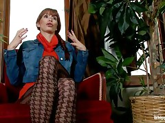 See this busty brown haired milf, Monique Alexander, saying all about what that playgirl had done in this porn industry that playgirl is getting money from. As that playgirl has been paid extra, that playgirl participated in submission movies, and that playgirl quite enjoys being tied up in bondage during the time that her boss, having Bobbi Starr punishing her.