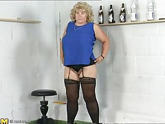 This older blonde lady is bored and and this babe is in the mood for some sexy-time. She ask herself 'why not playing with my pussy? After all, my fingers gave me the biggest orgasms'. That's why you'll watch her fingering like a pro, after all, this babe has years of experience. Don't miss her nice big love muffins either!