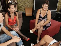 Three mature doxies share one hard shlong