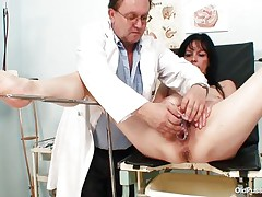 Older brunette hair sweethearts with nice body and nasty breasts is sitting the gynecologist table absolutely undressed with her legs spread so that her doctor can exam the wet crack between them. He recommends her a dildo therapy so the treatment begins as this chab introduces that sex toy deep in her bald vagina. This honey becomes horny and does treats her cookie with her own hands.