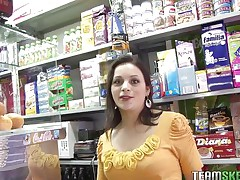 Grocery's are an important activity but fucking is a lot greater quantity important. During the time that I was in a store I found this beautiful black brown milf with sexy pink lips and legs that made me wondering how precious they will look spread. In a short time I fascinating talked her and here you have it, naked, excited and willing to masturbate for us