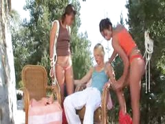 trio lesbian babes permeating together